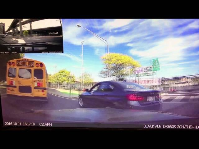 Bahati vozač skupocjenog BMW-a htio presjeći put školskom autobusu. BOLJE DA NIJE!