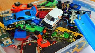HOT WHEELS CARS JUMP INTO THE WATER - SLOW MOTION