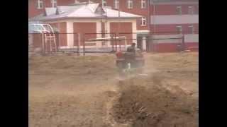 Самодельный трактор пахота 19.04. 2014.