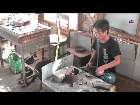 Myanmar 2012 - Jewellery making (3120)