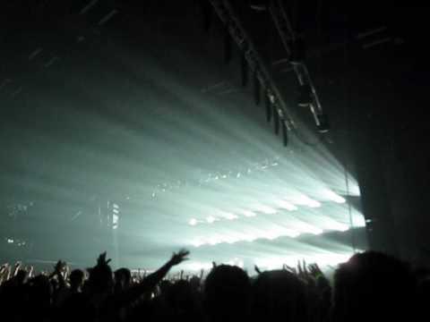 Tiesto : Calvin Harris - Im Not Alone (Tiesto Remix) @ Forum, Copenhagen
