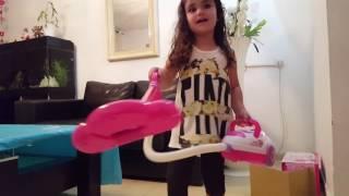 Веселая игрушка Пылесос для Линой Помогаем маме с радостью Fun toys Vacuums for Linoy Helping mom