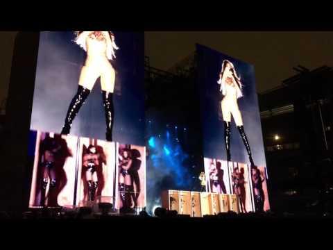 Beyoncé - Crazy in Love (FSOG Version) Live - The Formation World Tour 2016 - Philadelphia 9/29