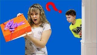 Что мама ПРЯЧЕТ в КОРОБКЕ ? И почему Серёжа обиделся ? ЗАМЕНА БЕЙБЛЭЙД Челлендж