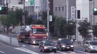千葉県富津市の駒井鉄工から運ばれてきたスカイツリー鉄骨の搬入の様子。