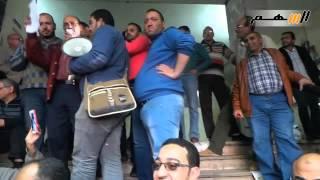 العاملون بهئة الأوقاف يرفضون رد الوزير على اعتصامهم
