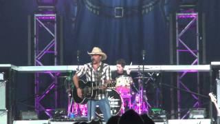 Jason Aldean - Cuts Like a Knife live at Calgary Stampede 2010