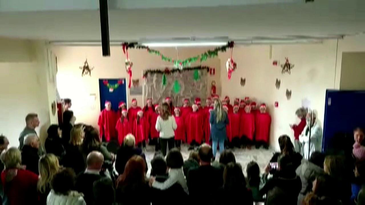 Cori di Natale nel reparto pediatria dell'ospedale di Corato