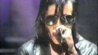 Sisters of Mercy - This Corrosion (Live, TOTP 1987)