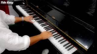 작곡가가 피아노를 치기 시작하면?????