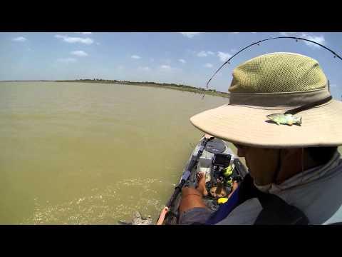 Kayak fishing kansas milford lake blue catfish doovi for Melvern lake fishing report