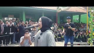Sabyan at Pelepasan Kelas XII MAN 1 BEKASI #Video 2 (Full Pe...
