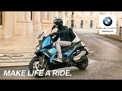 The new C 400 X with BMW Motorrad Connectivity.