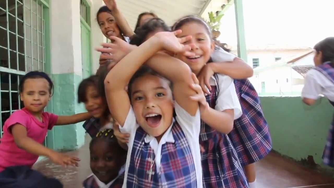 Medellin Colombia Hogares Infantiles San Jose Youtube