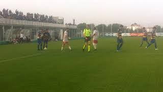 Under 17, 6^ Giornata Parma-Juventus, 50' st punizione di Alessio Ferrari, parata