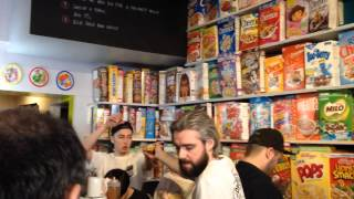 Inside Cereal Killer Cafe London - Iifym & Flexible Dieting (december 2014)
