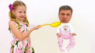 Настя и папа придумали забавные игры друг для друга