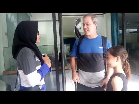 Dialog with bule australian
