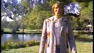 Glen Campbell - Thank God I'm a Country Boy (22 March 1977) - Southern Nights