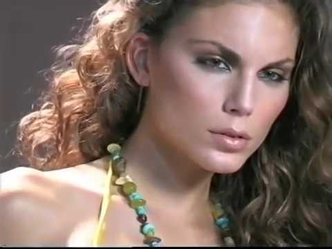 Paola Rinaldi Make-up, Nina Senicar thumbnail