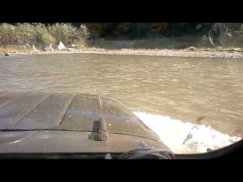 УАЗ через реку
