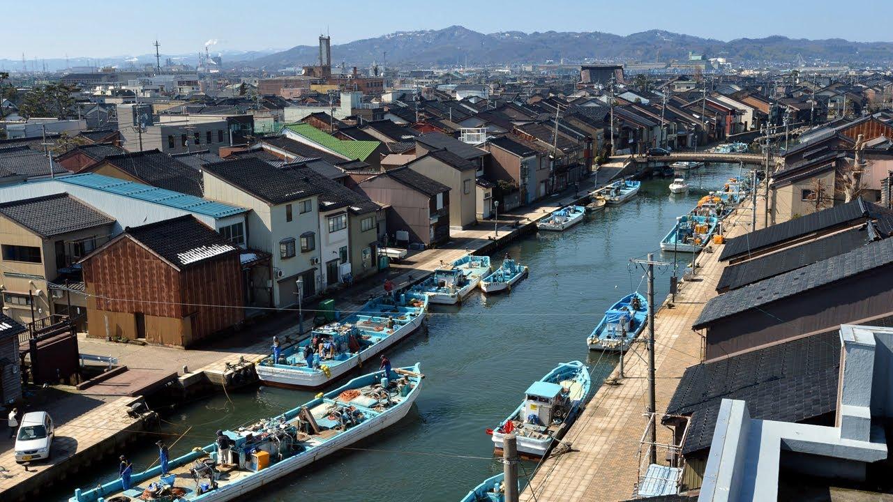探訪 軒下ゆらゆら 水面の反射 富山県射水市の内川 - YouTube