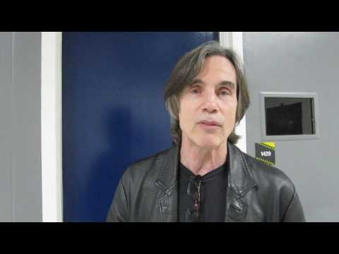 Jackson Browne says Bottled Water is Inconvenient!