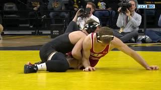 125-lbs-michael-cullen-wisconsin-vs-1-spencer-lee-iowa-2019-b1g-wrestling
