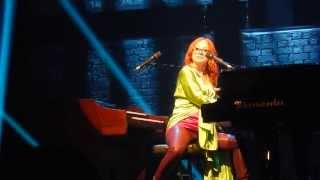 "Tori Amos ""Take to the Sky"" w/ ""Dātura"" bridge at Ruth Eckerd Hall in Clearwater, FL"