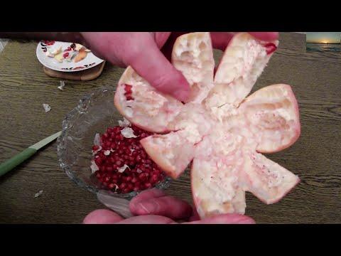 How to Cut Open a Pomegranate correct way Seeding  Granatapfel richtig schneiden entkernen