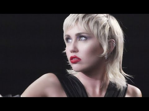 Miley Cyrus - Making of Midnight Sky