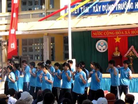 TRUONG THPT NGUYEN BINH KHIEM - KRONG PAC - DAN VU TAY NGUYEN 12A6.MOV
