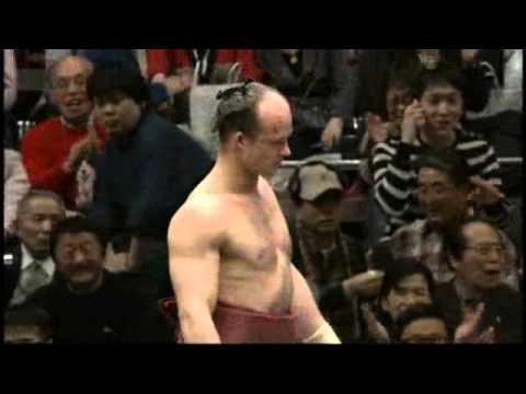 Doc Reno - Man pulls crazy sumo moves