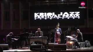 """You Look Good To Me"" Ron Savage Trio - Kriol Jazz Festival 2015"