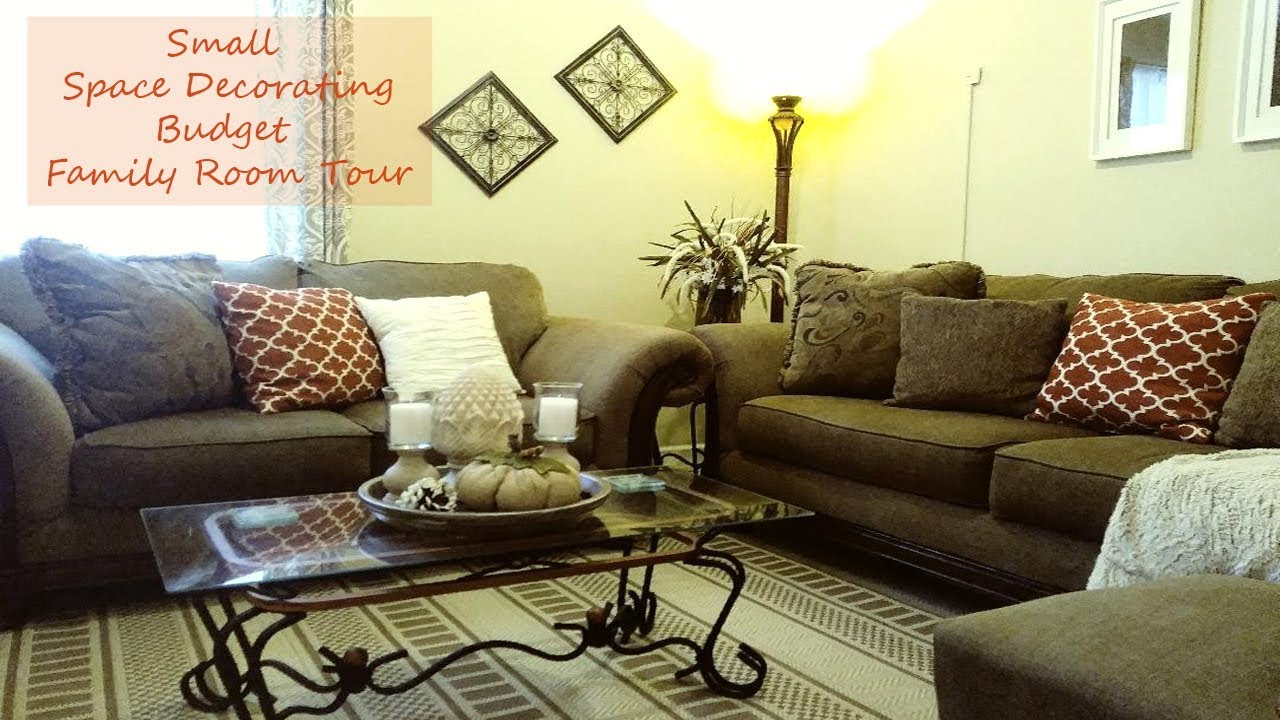 Budget Friendly Decor | Small Family Room Tour | Small Space Decorating