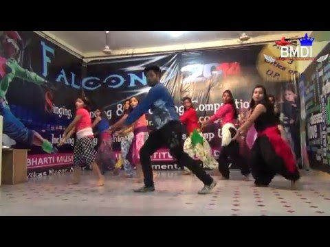 Shakira Dance- Welcome to Karachi