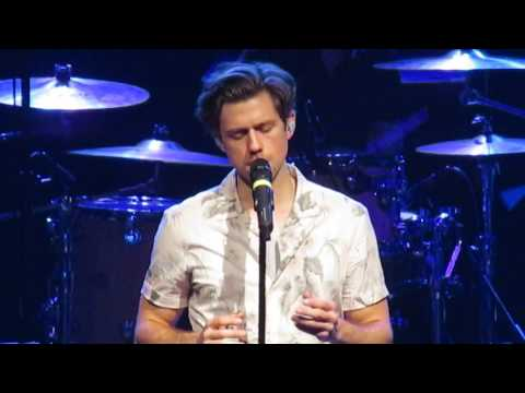 Creep  Aaron Tveit Paramount, Huntington NY 22517