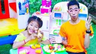 Kevin and Uncle Selling Ice Cream Toys | Nora Family Show