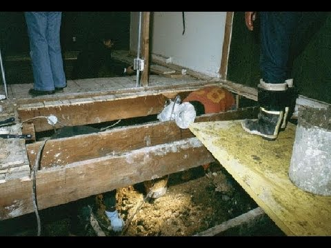 JOHN WAYNE GACY CRAWL SPACE PICS (JUST RELEASED BY POLICE) A