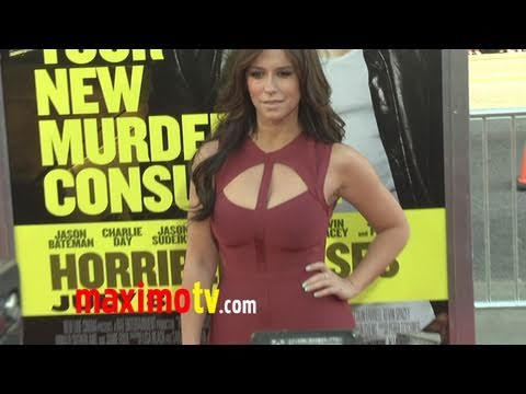 "Jennifer Love Hewitt at ""Horrible Bosses"" Los Angeles Premiere thumbnail"