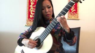 Xuan nay con khong ve, arranged and played by Thu Le