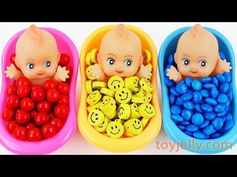 Baby Finger Family Song for Kids Surprise Egg Toys Baby Doll Color Bubble Gum Kinder Joy Bath Time