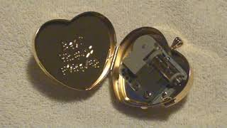 (PS4) Collector's Edition Undertale - Windup Necklace Music Box