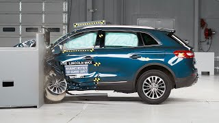 2016 Lincoln MKX driver-side small overlap IIHS crash test
