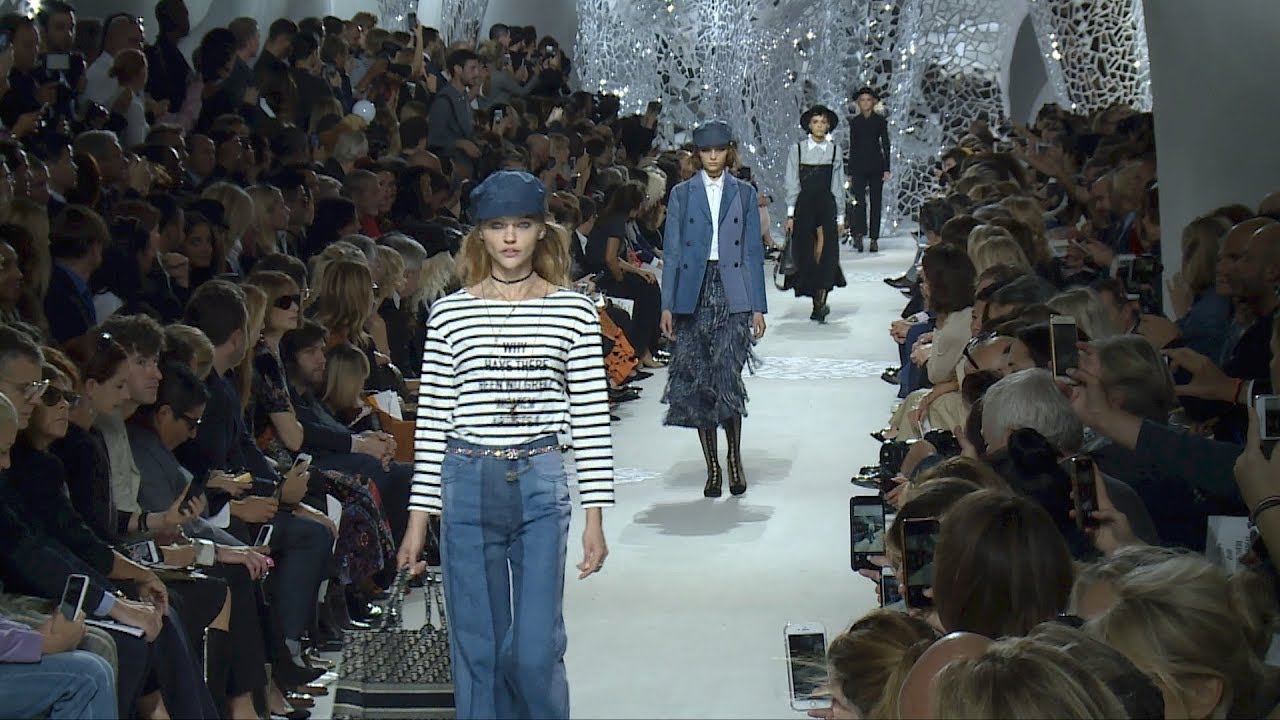 Dior christian spring ready-to-wear fashion show recommend to wear for on every day in 2019