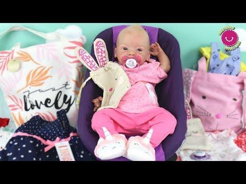 Caja Sorpresa para Lindea llena de ropa para Bebé Reborn