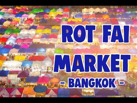 Rot fai night vintage market - Bangkok (train night market)
