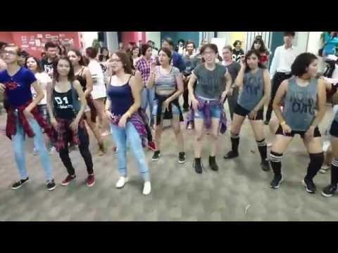 Random Play Dance K-Day 2016
