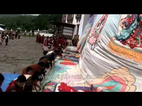 Imprinting Bhutan in your mind, at Kurjey tsechu