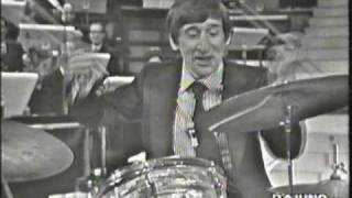 Renato Rascel Alla Batteria Teatro 10, 1972